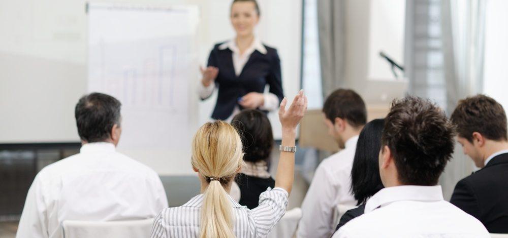 Técnicos das regionais de saúde recebem treinamento para aplicar novo veneno